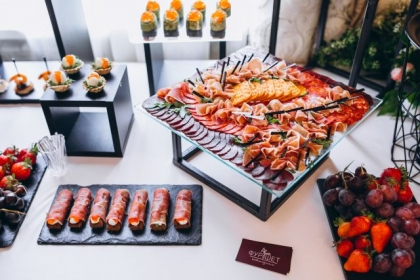 Co jest niezbędne do świadczenia usług cateringowych?